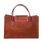 fotografía bolso marron y coral 2